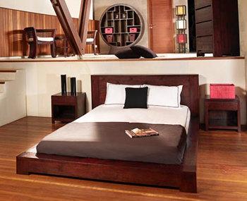 Nội thất - Kê giường kê thẳng với cửa có được không