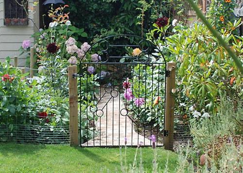Cổng nhà vườn đẹp và phù hợp phong thủy | ảnh 2