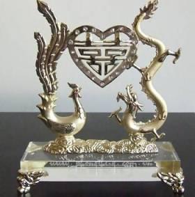Vật phẩm phong thủy : Biểu tượng rồng phượng đem lại may mắn